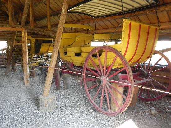 Menor's Ferry Historical Trail: Old carriages 1