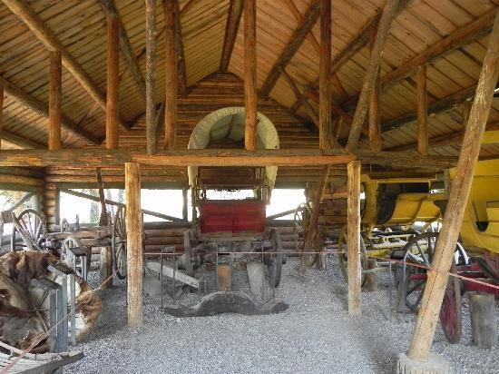 Menor's Ferry Historical Trail: Old carriages 2