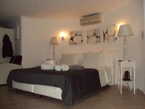 โรงแรม & สปา ร็อคคาเบลล่า ไมโคโนส อาร์ท: room detail