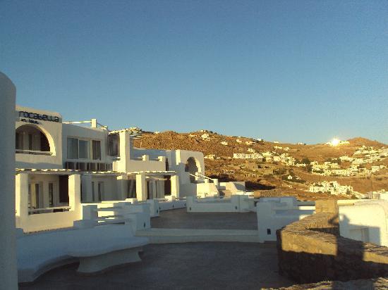 โรงแรม & สปา ร็อคคาเบลล่า ไมโคโนส อาร์ท: exterior area