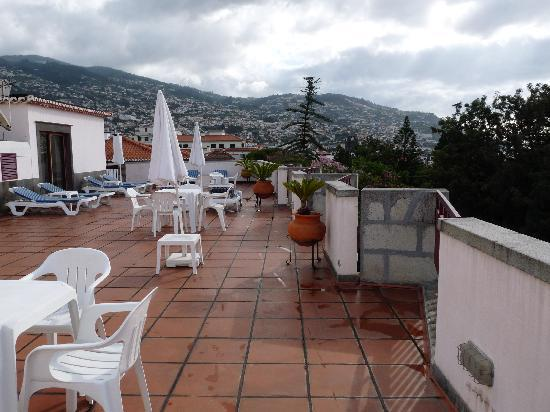 Hotel Madeira: view from the pool