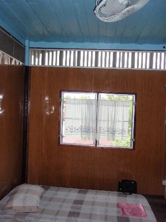 Tinothai: 部屋