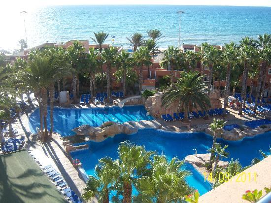 Playacapricho Hotel: piscina buenisima