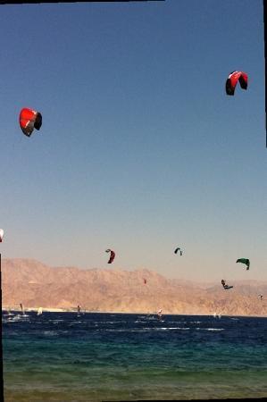 Isrotel Yam Suf Hotel: kite surfers paradise