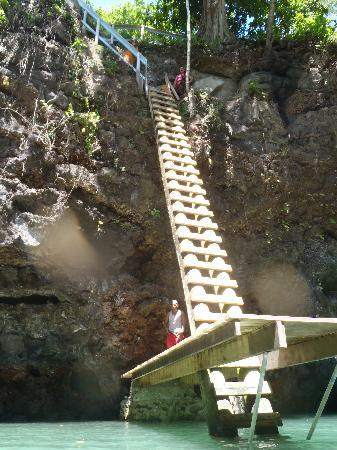 To Sua Ocean Trench: looking up