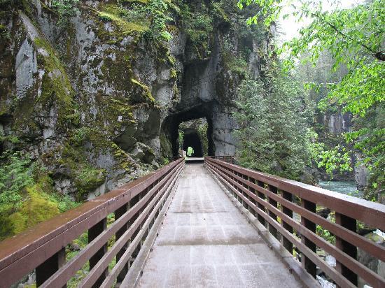 Othello Tunnels: sur le pont...