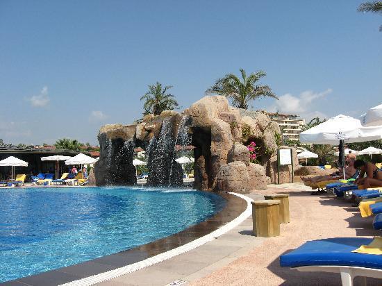 Papillon Belvil Hotel: Main Pool.