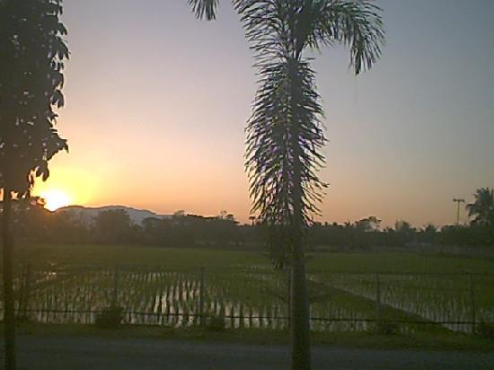 Horizon Village & Resort : coucher de soleil horizon village