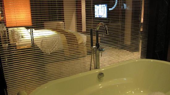 ฮิลตั้น ปักกิ่ง แคพพิทอล แอร์พอร์ต โฮเต็ล: Chambre depuis la baignoire ...