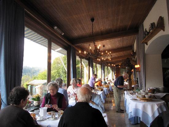 Reikartz Hotel Vier Jahreszeiten Berchtesgaden: The breakfast room