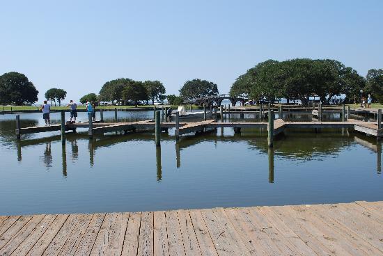 Currituck Beach Lighthouse: Whalehead Club