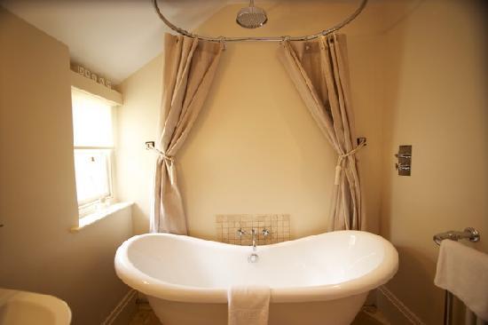 Headland House: Heligan bathroom