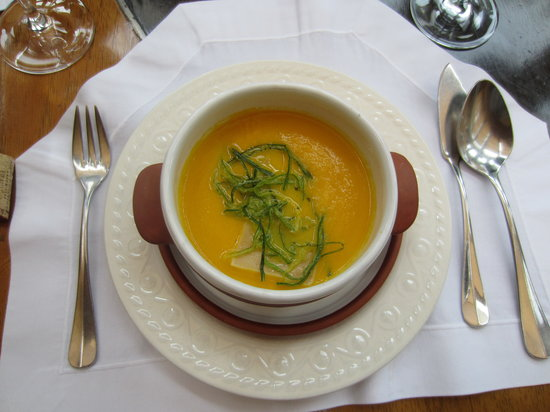 Tampu Restaurant at Sanctuary Lodge: Carrot Cream Soup (Average)