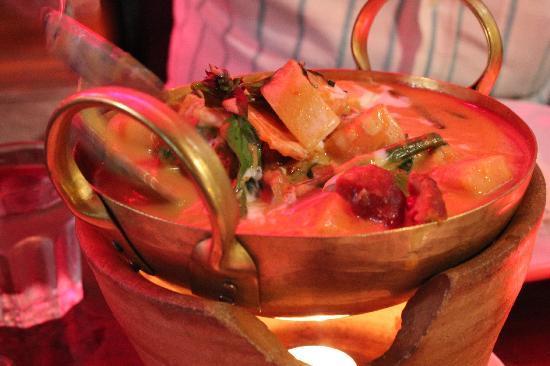 Thai Silom Broadbeach: Rosted Duck Curry Delishious