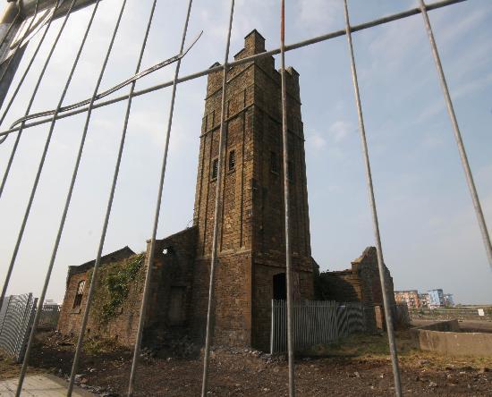 Sosban: Building at beginning of restoration