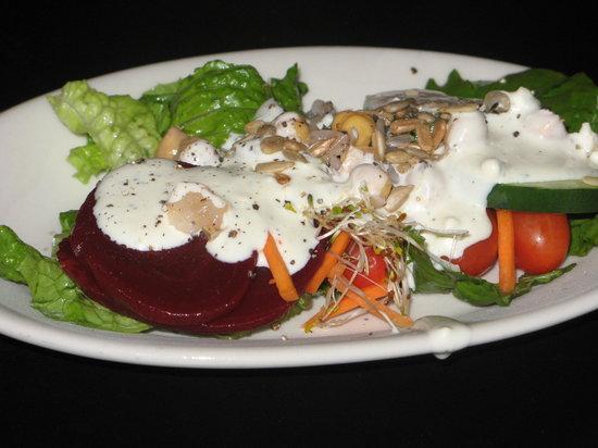Chuck's Steak House: Plated salad