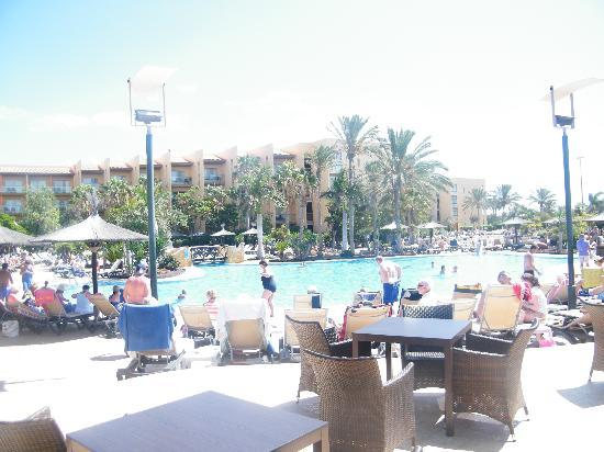 Barcelo Fuerteventura Thalasso Spa: pool at self service bar