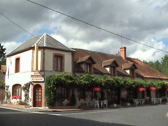 La Ferte-Saint-Cyr, France : L'Hotel Restaurant