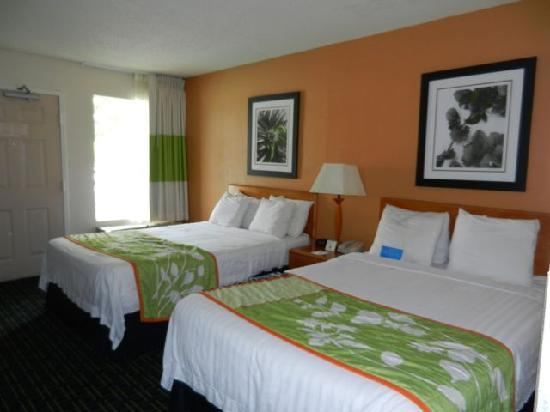 Days Inn Chattanooga/Hamilton Place: Fairfield Inn Chattanooga