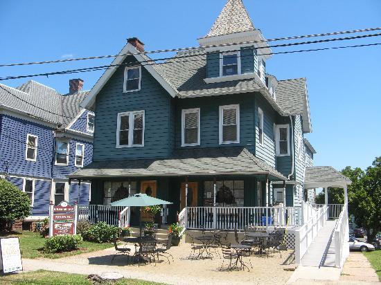 Sweet Harmony Cafe & Bakery: Exterior