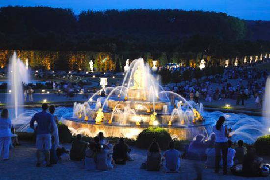 Guidatours Versailles: Grandes Eaux Nocturnes
