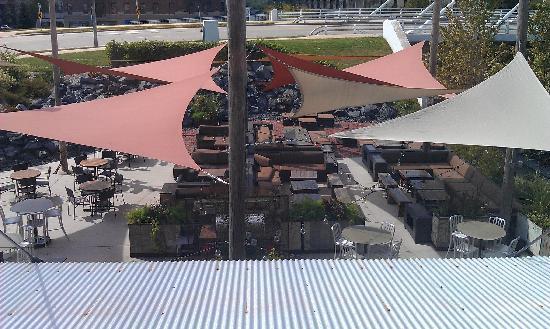 โรงแรม ดิ ไอรอน ฮอร์ส: View outside my window