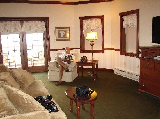 Carlisle Inn: French doors lead to balcony