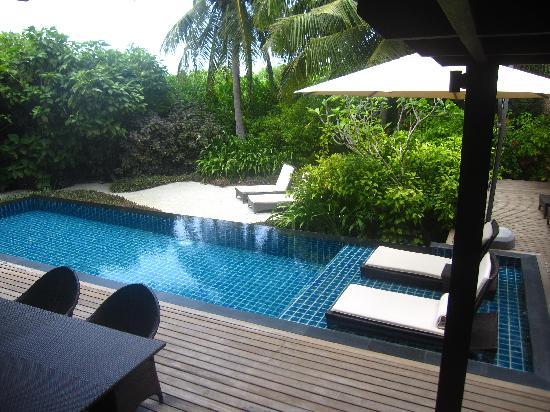 แชงกรีลาส์ วิลลิงกีลี รีสอร์ท แอนด์ สปา: Our pool again!
