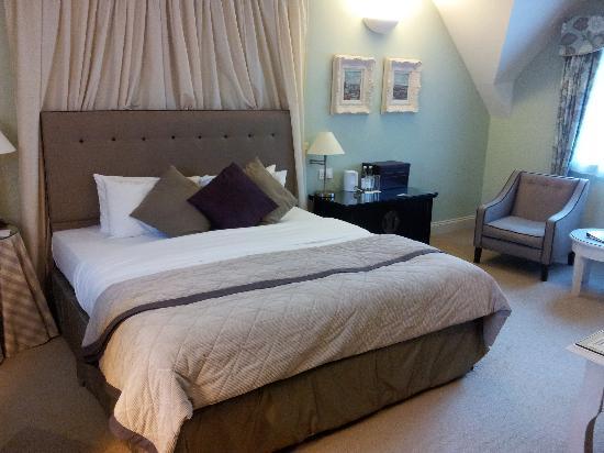โรงแรมแฮร์ แอนด์ ฮาวด์: Lilac bedroom