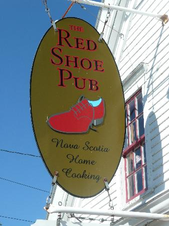The Red Shoe Pub: The Red Shoe