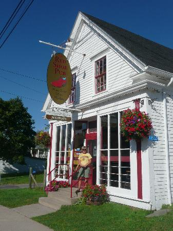 The Red Shoe Pub: The Red Shoe in Mabou