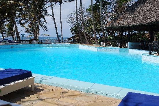 Baobab Sea Lodge: Nice deep pool for swimming and diving