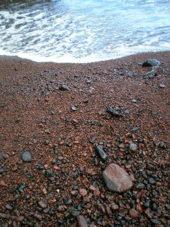 Red Sand Beach (Kaihalulu Beach): The rocks