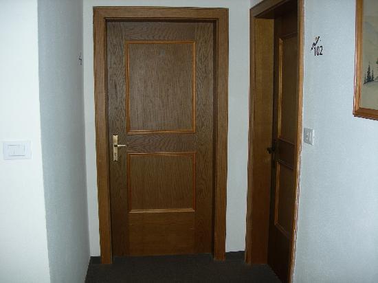 Vitalhotel Rainer: Le porte delle standard.....