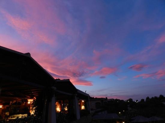 Resort Cala di Falco: beautiful sunset taken from la terrazza restaurant