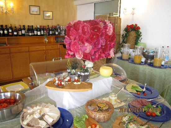 Hotel Camin Colmegna: breakfast