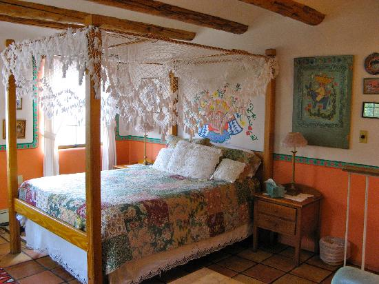 La Dona Luz Inn, An Historic Bed & Breakfast: Sonriso Room