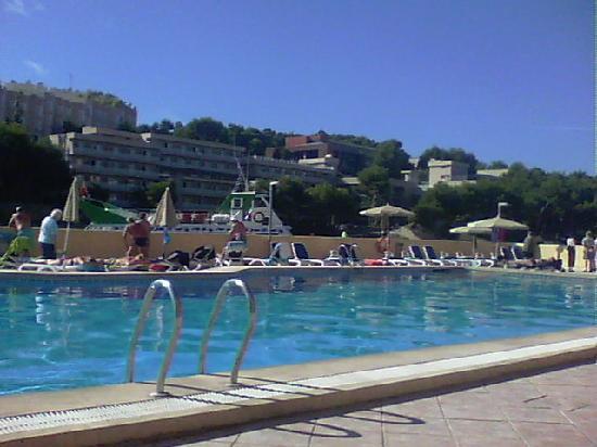 SENTIDO Cala Vinas: pool