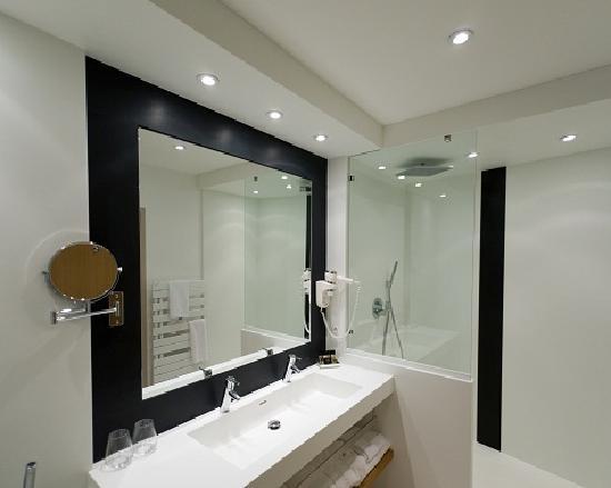 Salle de bain chambre deluxe photo de hotel de for Salle bain hotel