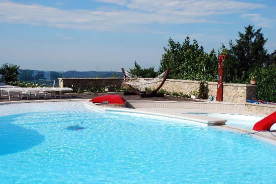 B&B Villa Luna Salo: la piscina villa luna