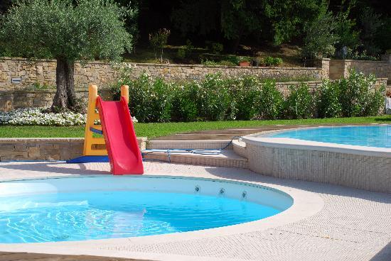 B&B Villa Luna Salo: giochi in piscina villa luna