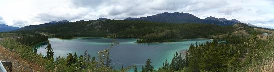 Chilkoot Charters & Tours: Emerald Lake