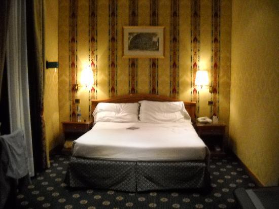 โรงแรมรัฟฟาเอลโล: Habitación
