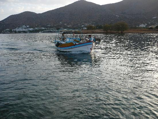 Elounda Island Villas: local fishermen