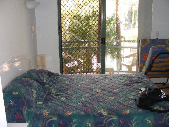 Currumbin Sands on the Beach: Master bedroom