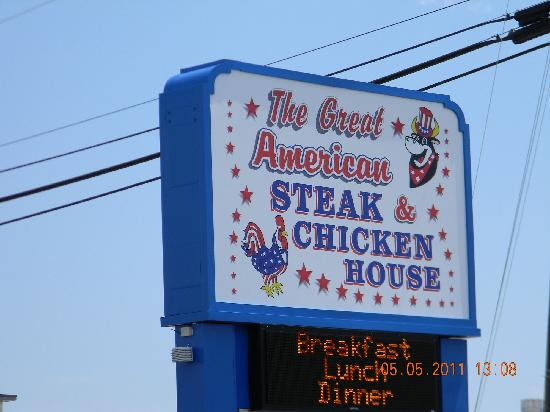 The Great American Steak & Chicken House: Sign