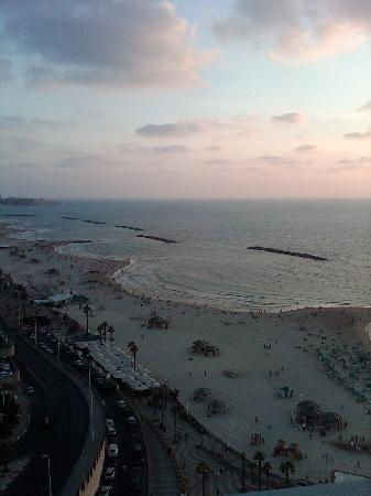 Renaissance Tel Aviv Hotel: View from my balcony. late afternoon