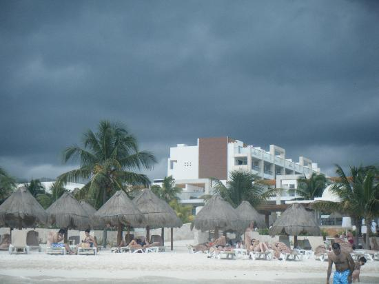 Excellence Playa Mujeres: view of the resort and beach from the ocea