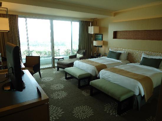 โรงแรมมารีน่า เบย์ แซนด์ส: 19階の部屋です。快適ですよ~
