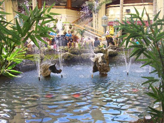 Hotel Lobby Amp Shopping Centre Picture Of Hyatt Regency